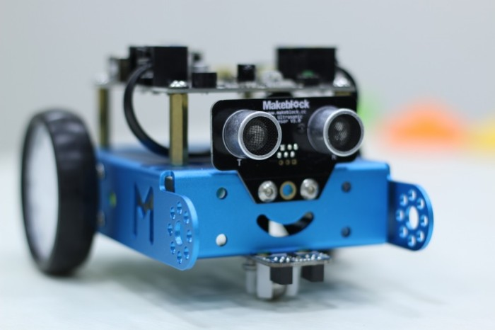 mBot Makeblock de SPC, análisis: un mini-robot con Arduino para enseñar a programar a los máspeques